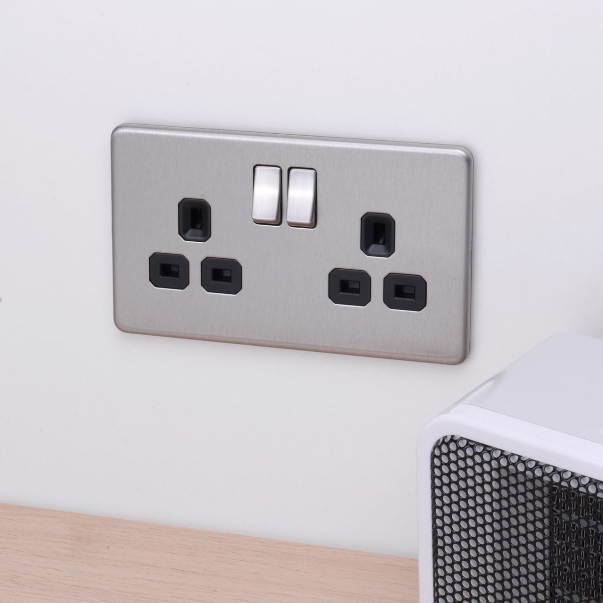 Flat Plate Screwless 2G DP Switched Double Socket