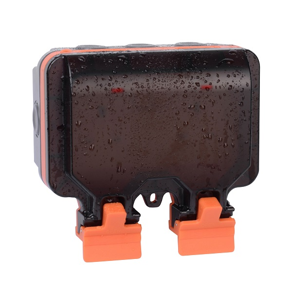 Weather Proof 2G 13A Double Pole Switched Socket
